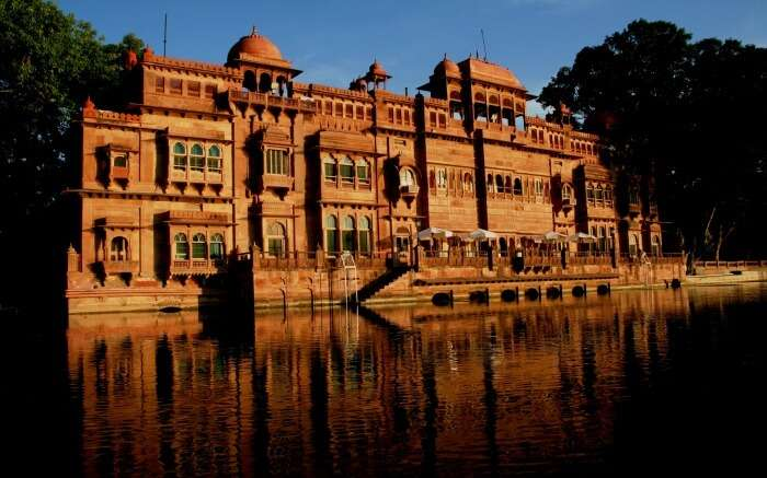 Gajner Palace by a lake in Bikaner