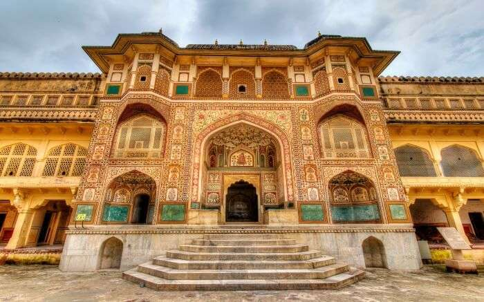 beautiful entrance of Amber palace in Jaipur