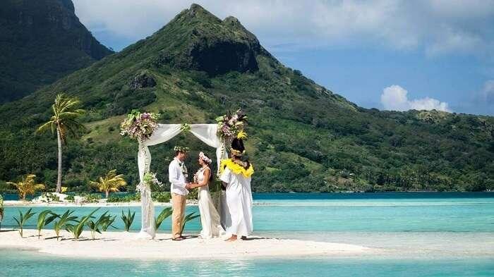 best beach weddings world
