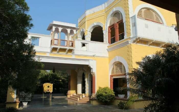 entrance of Bhanwar Vilas Palace in Karauli