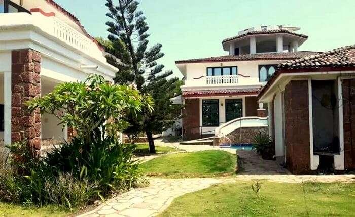 contemporary villas in south goa