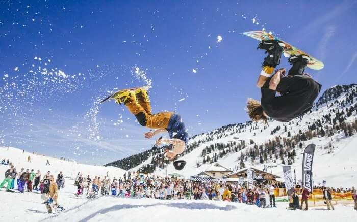 ice boarding in snowbomb Austria