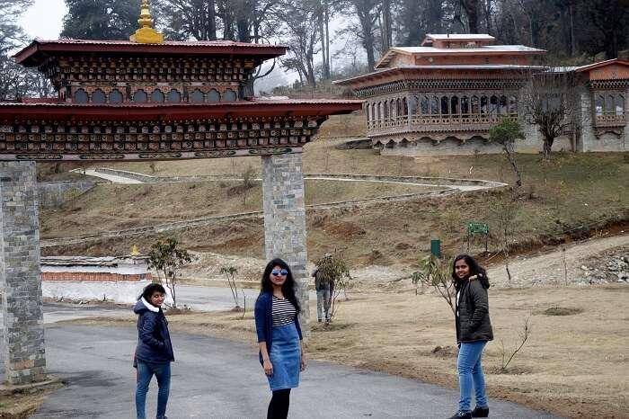 monali and friends near bhutan entrance