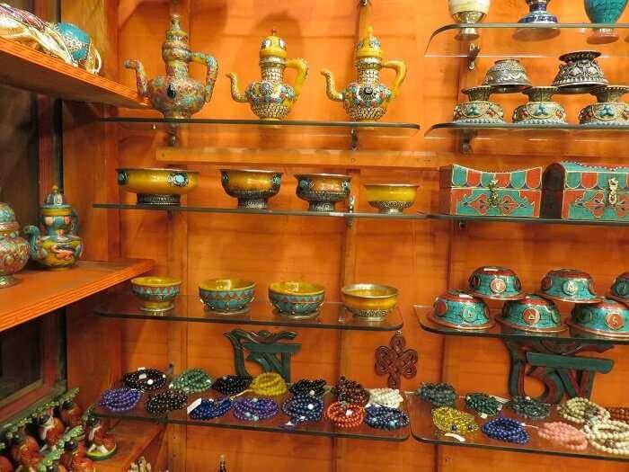 monali souvenir shopping in bhutan