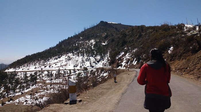 monali at snow in bhutan