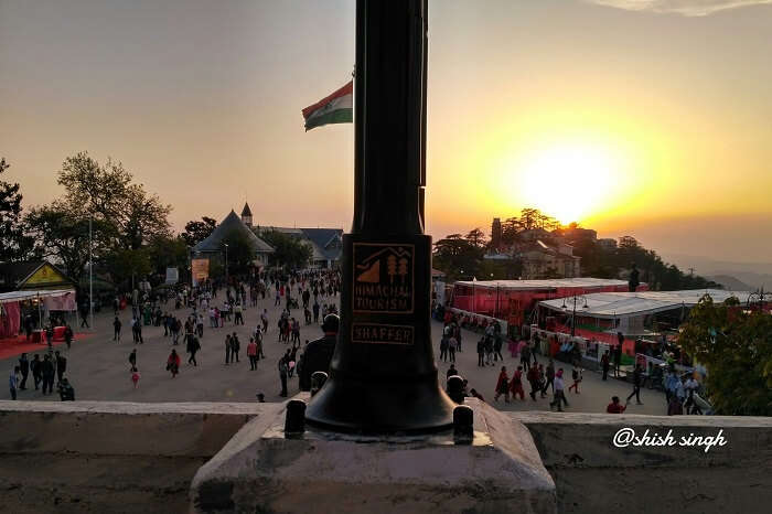 shish witnessing monument on mall road