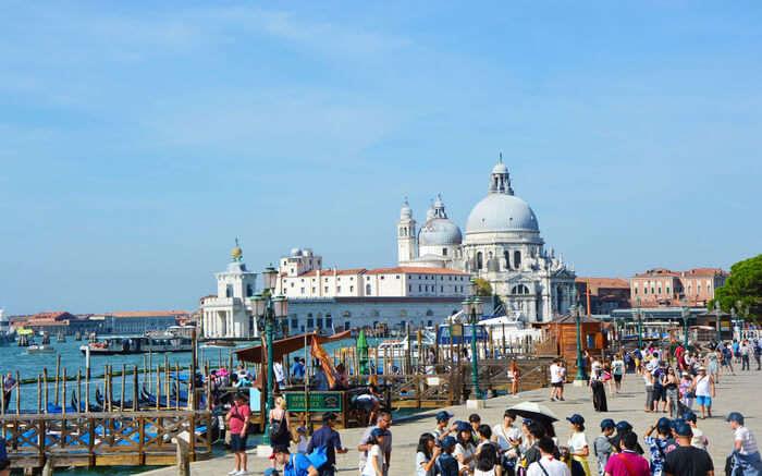 Tourist crowd in Venice