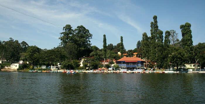lake in yercaud