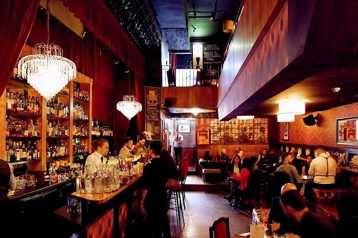 enjoy the best nightlife in melbourne at 1806