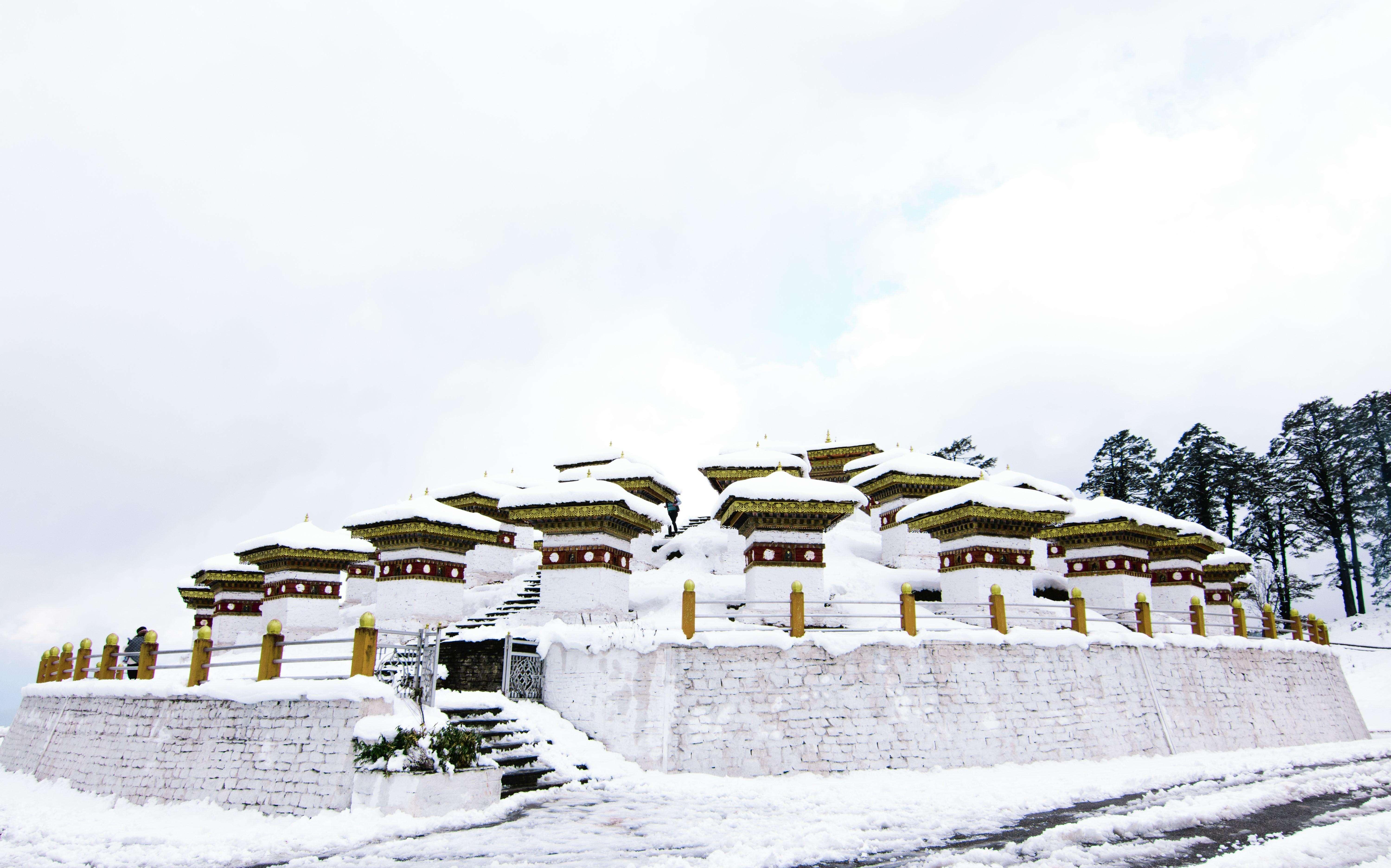 snowfall at Dochula Pass