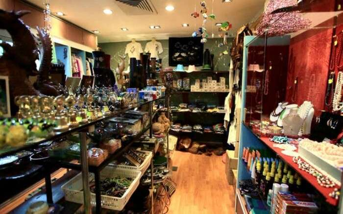 Artifacts and jewellery in a shop in Maldives