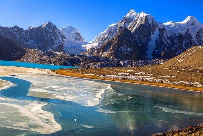 visit Gurudongmar lake in sikkim