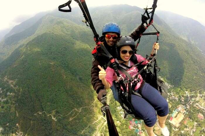 paragliding session in bir billing
