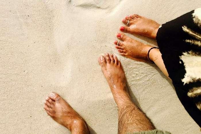 couple on la digue island