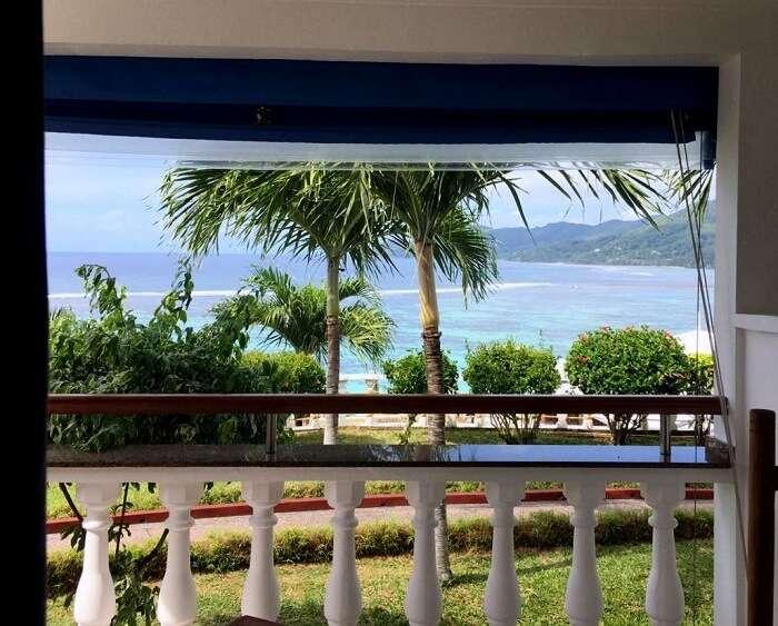 hotels on praslin island
