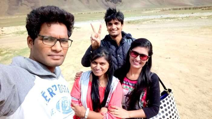 friends vacation in ladakh