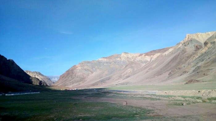mountain range in ladakh