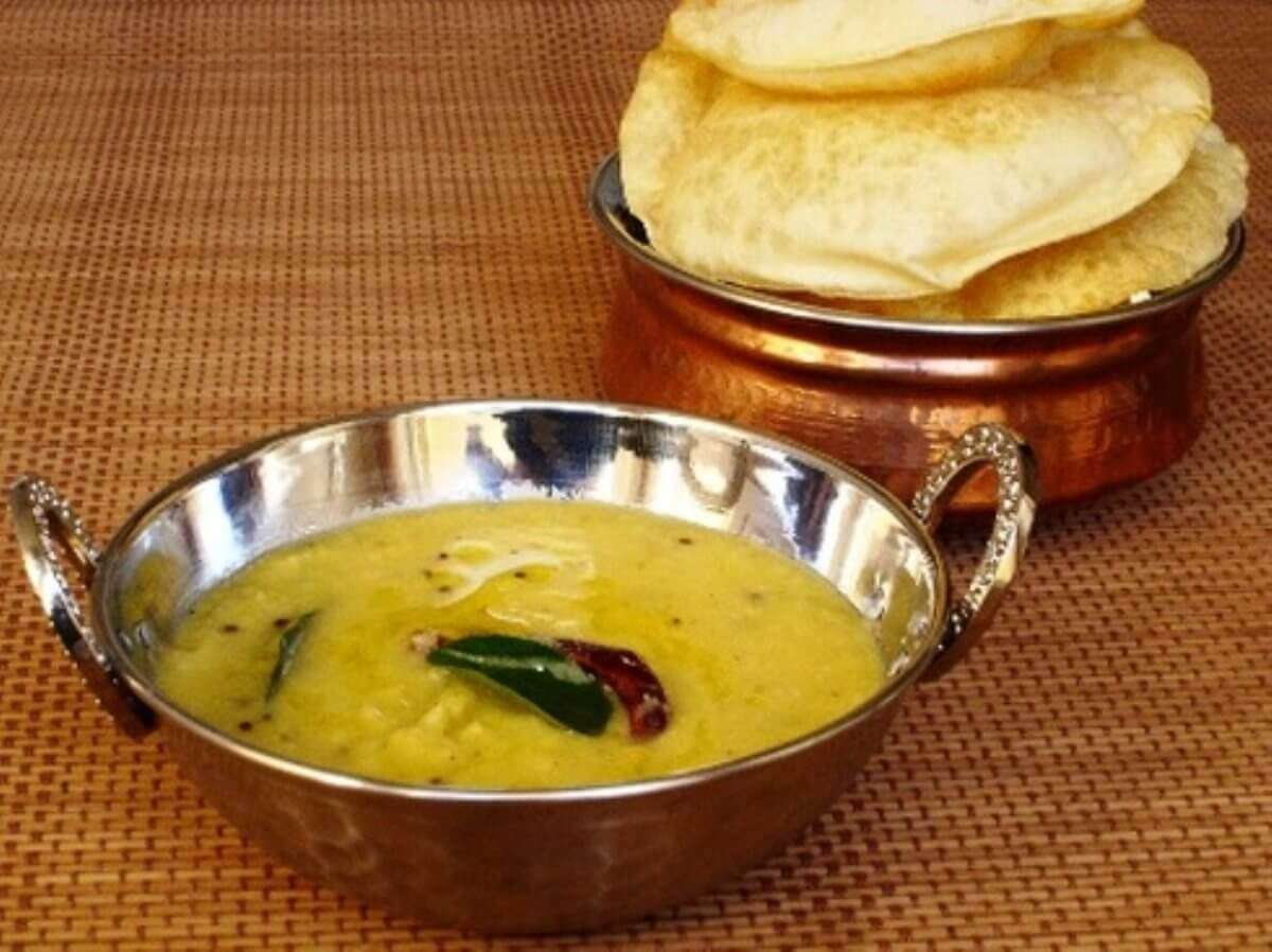 yellow daal and puris