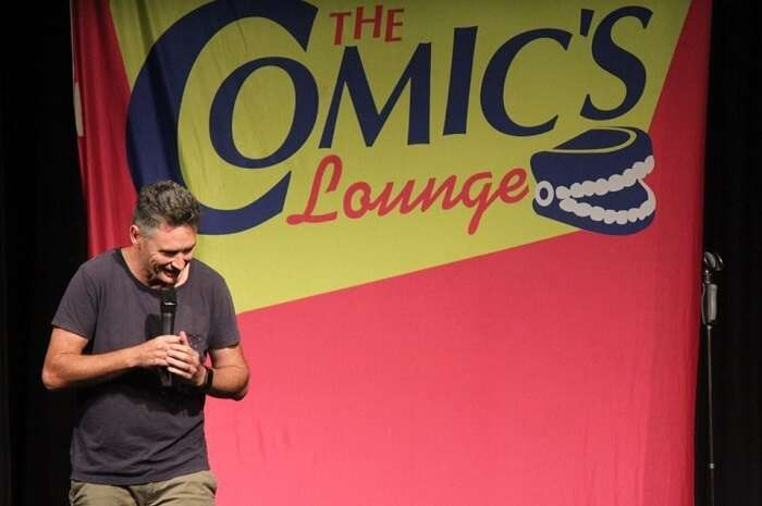 enjoy a night of stand up comedy at comic's lounge