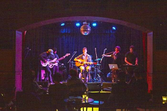 enjoy live performances at toff in town