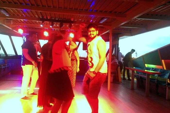 nirav in bali dancing at nightclub