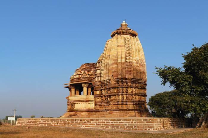 a gorgeous temple in Khajuraho