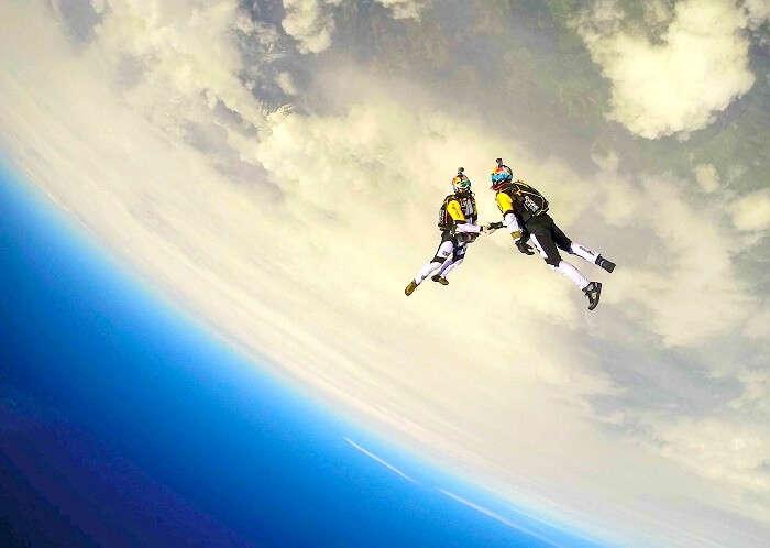 high altitude sky diving adventure