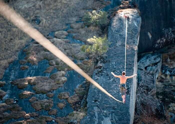 highlining adventure sports
