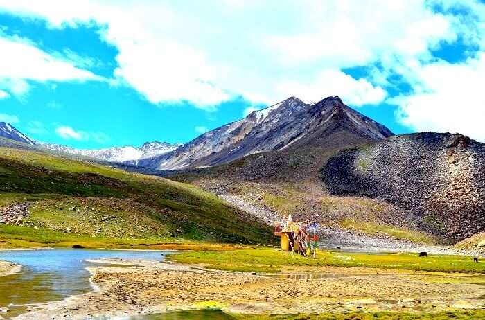 on the way to nubra valley