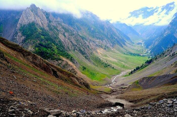 mountain view in sonmarg
