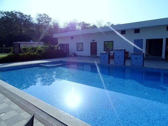 resorts near Jim Corbett