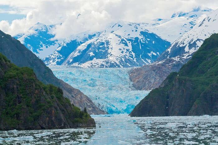 traverse through Tracy Arm Fjord on alaska cruise tours