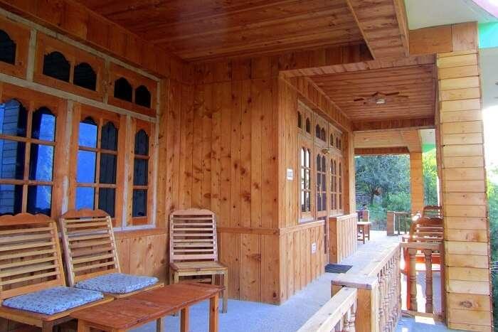 stay at Bhagwati Homestay in tirthan