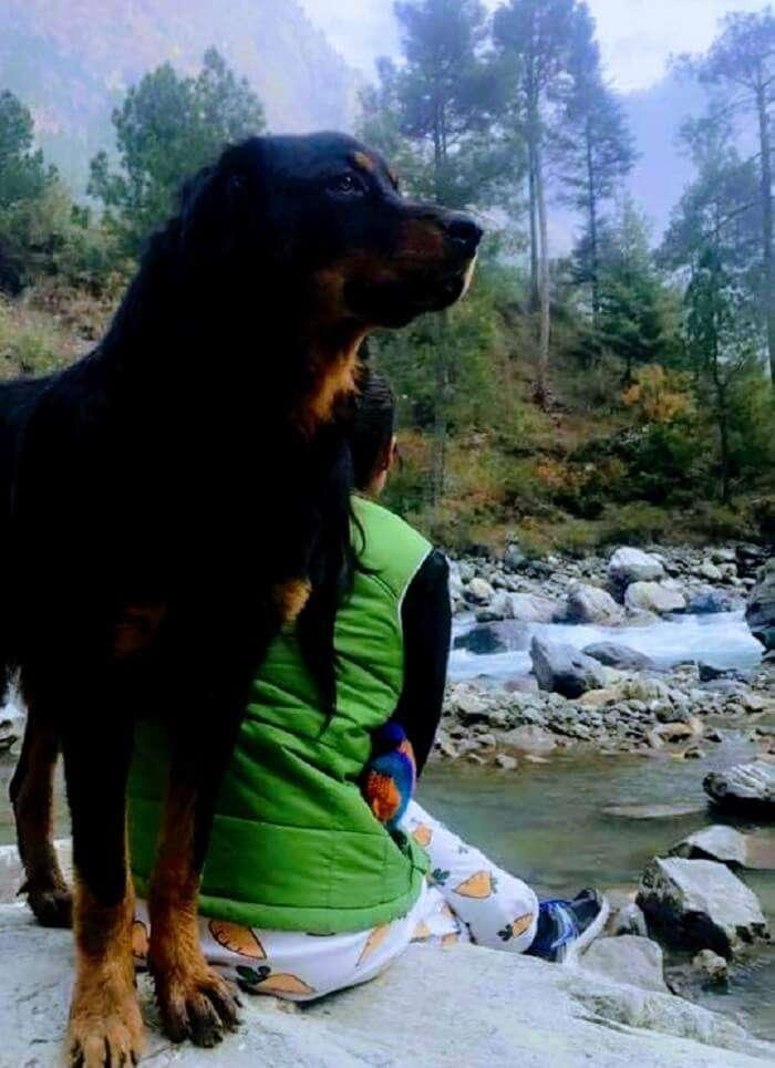 trekking back to barshaini