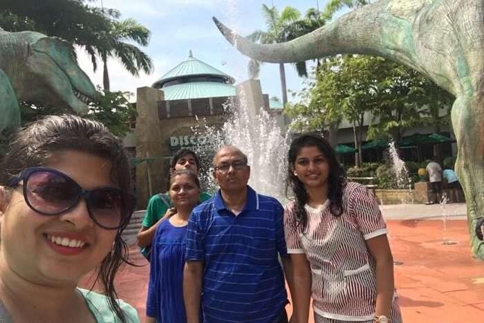 saurabhi singapore family trip: enjoying at universal studios