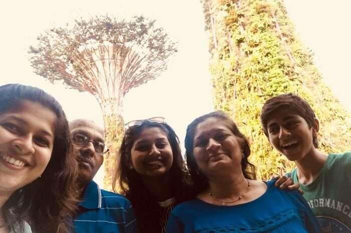 saurabhi singapore family trip: family enjoying at gardens of the bay