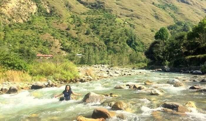 river stream in himachal