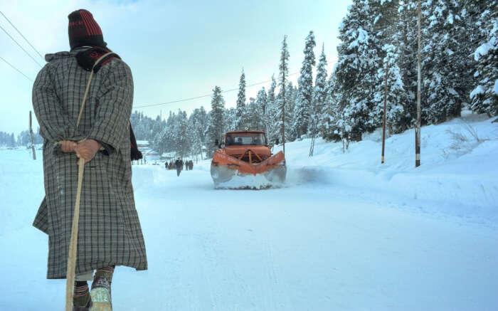 Local amidst snow in Kashmir
