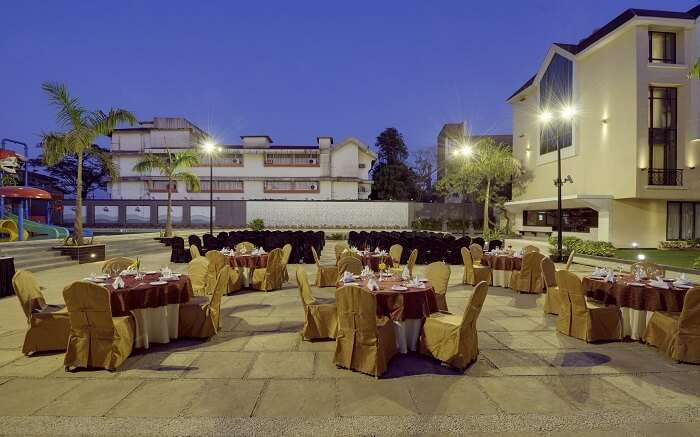 Open-air dining table laid out at Picaddle Resorts