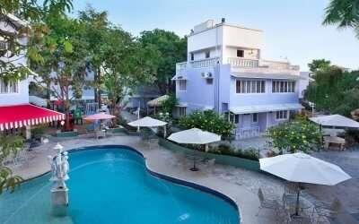 Pool view of Avion Holiday Resort in Khandala
