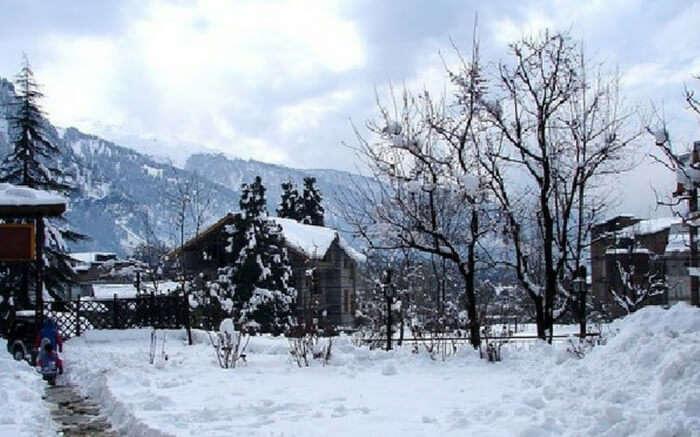 acj-2211-most-romantic-honeymoon-destinations-in-india (1)