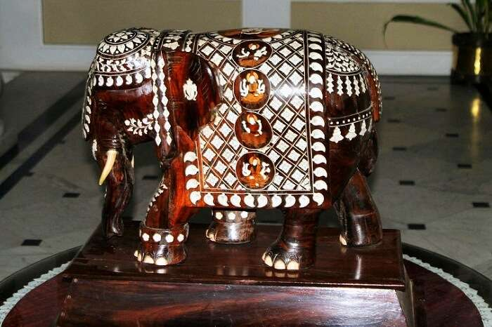 Rosewood Inlay Artefacts Mysore