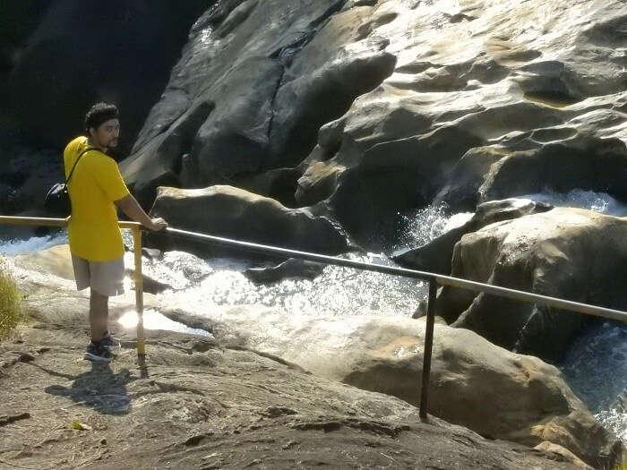 waterfalls of munnar
