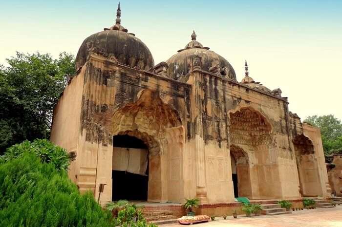 Qudsia mosque in delhi