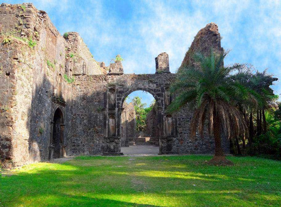 the ruins of Vasai fort