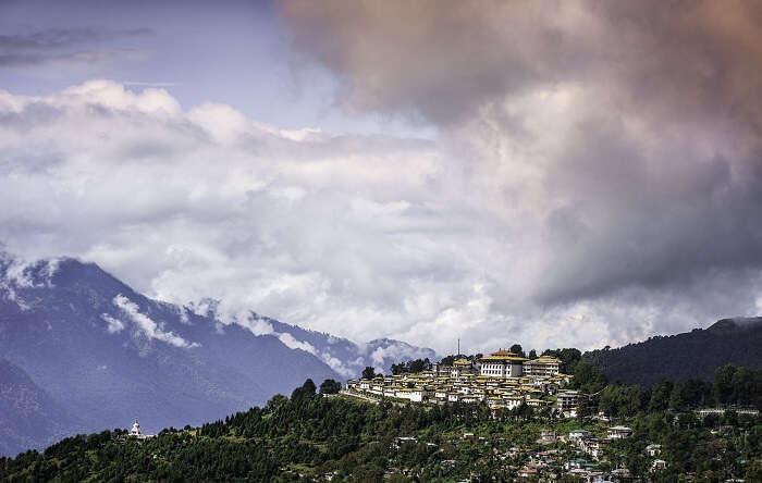 arunachal pradesh tibetan monastery