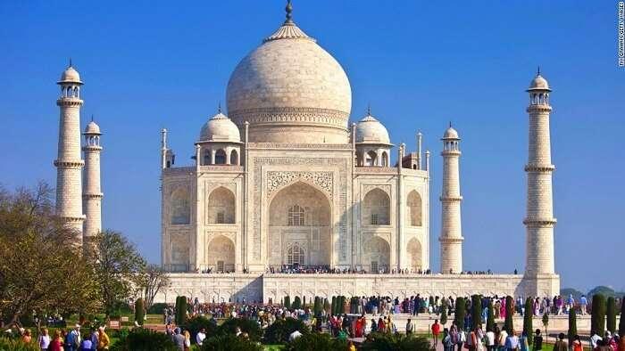 Taj Mahal overcrowded India