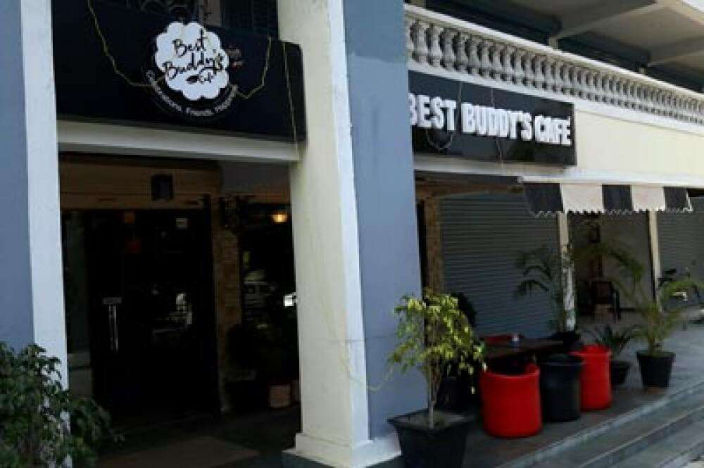 Best Buddy's Restro Café kb6592