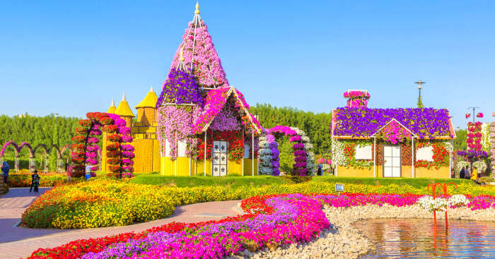 beautiful home models decorated with flowers