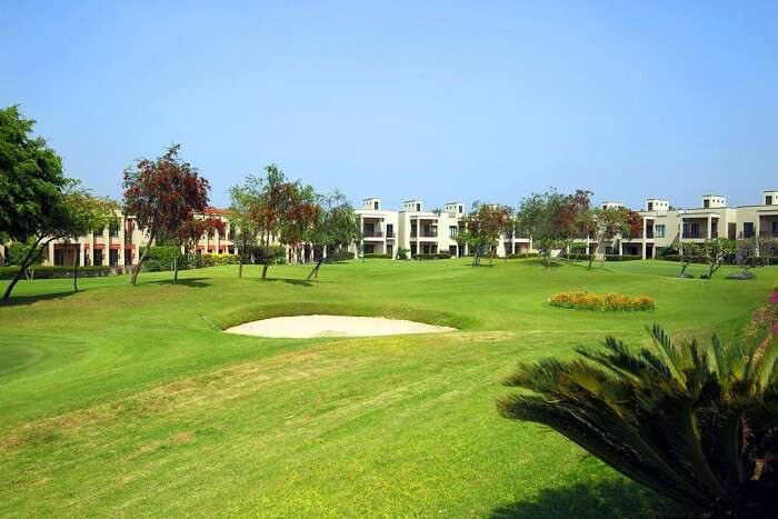 famous golf resort near delhi